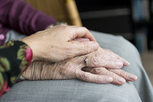 חשד לעוקץ קשישים